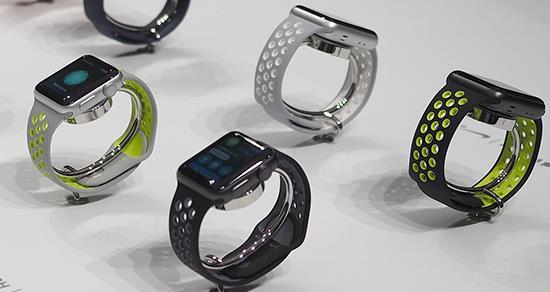 Apple Watch jsou žhavým želízkem v ohni