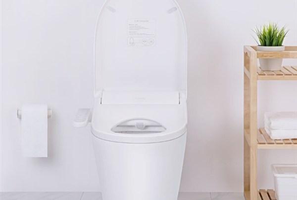 Chytré záchodové prkénko zvýší váš komfort