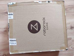 Xiaomi Mi Robot 2 přichází v obrovské lepenkové krabici