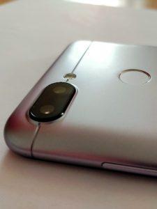 Duální fotoaparát telefonu Xiaomi Redmi 6