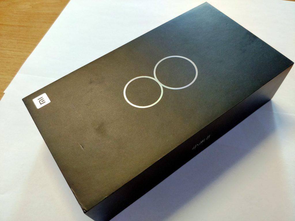 Krabička telefonu Xiaomi Mi 8
