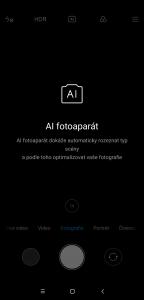 Fotoaparátu pomáhá umělá inteligence