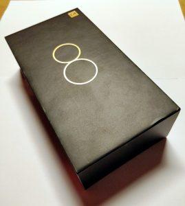Recenze Xiaomi Mi 8 Pro začíná černou krabičkou