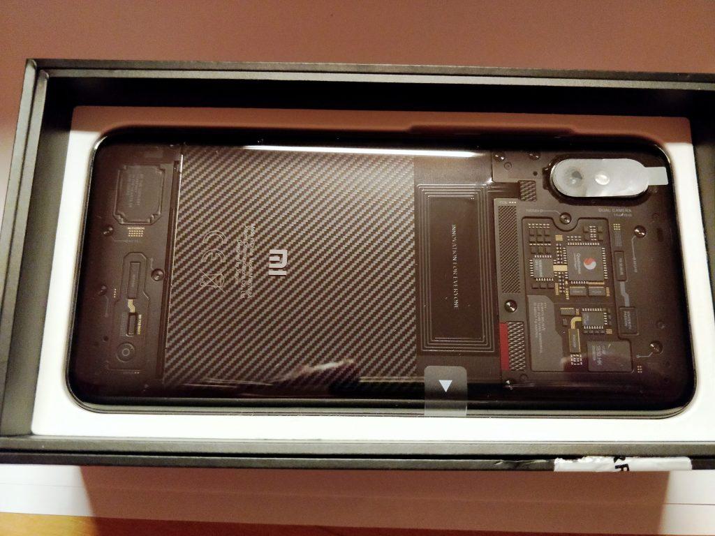 Xiaomi Mi 8 Pro s průhlednými zády