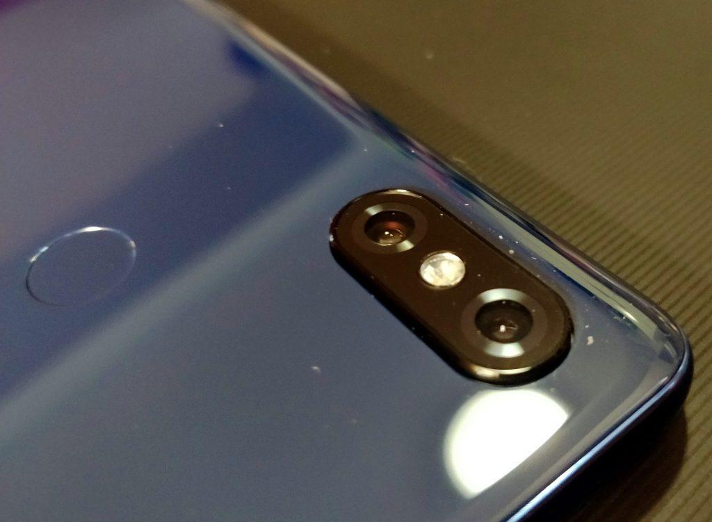 Duální fotoaparát na zadní straně