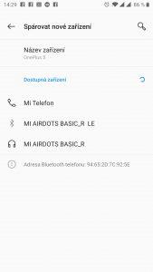 Připijení sluchátek Xiaomi Mi AirDots k telefonu