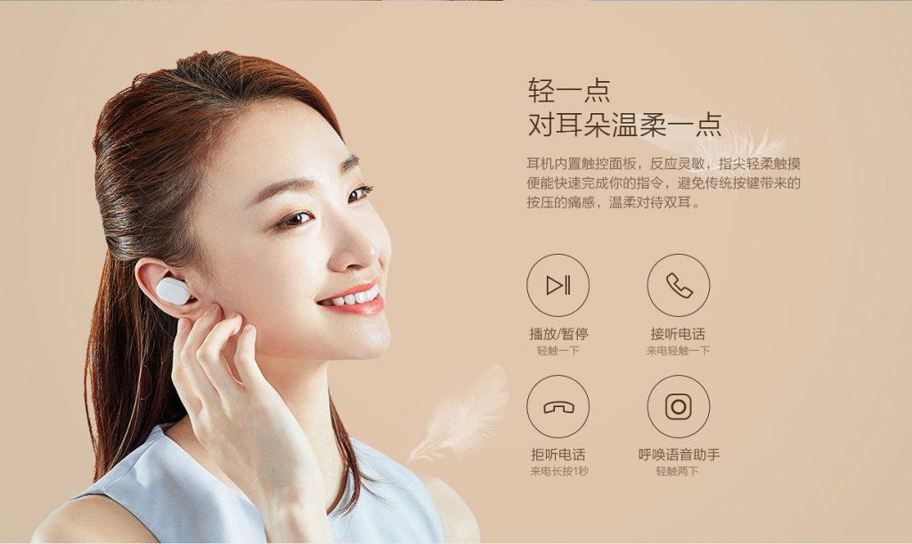 Sluchátka lze ovládat přes dotykovou plošku