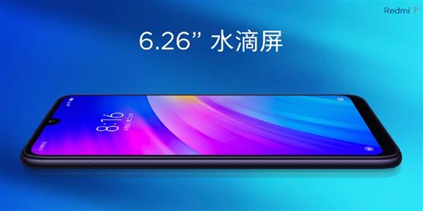 Telefon má obrazovku s úhlopříčkou 6,26 palců
