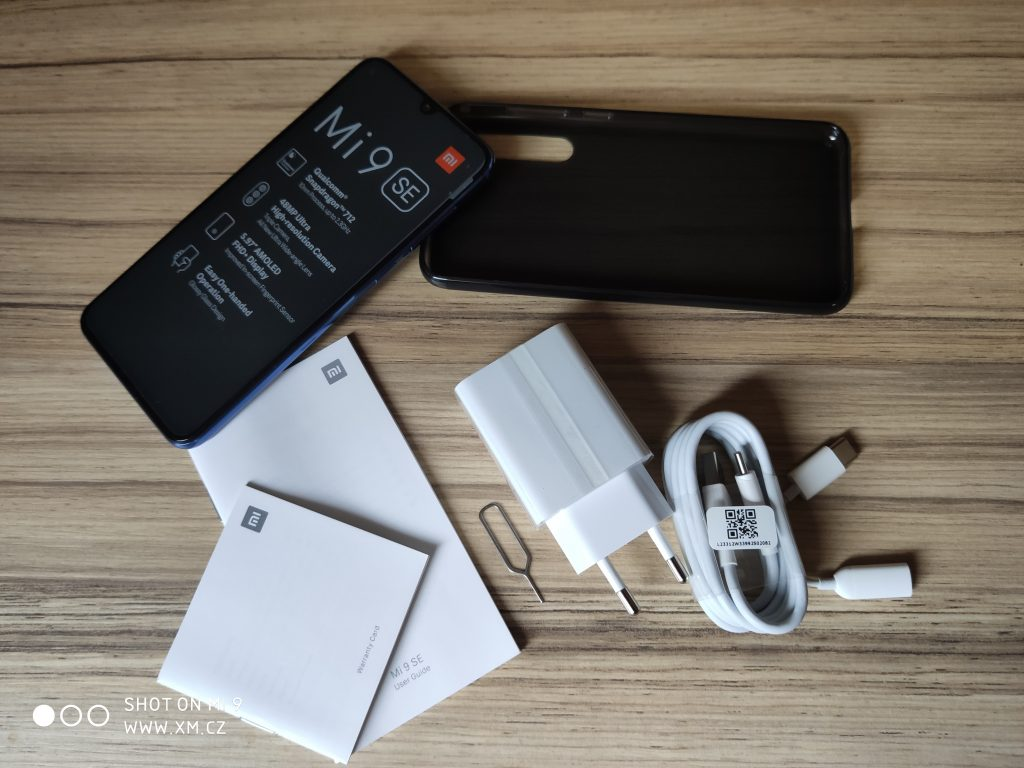 Obsah balení Xiaomi Mi 9 SE
