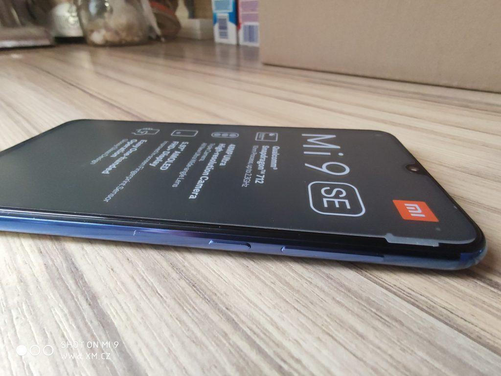 Pravá hrana Xiaomi Mi 9 SE