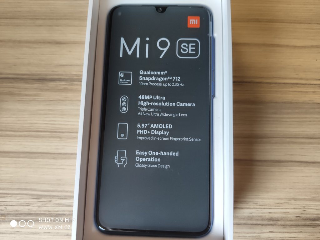 Tady máme Xiaomi Mi 9 SE