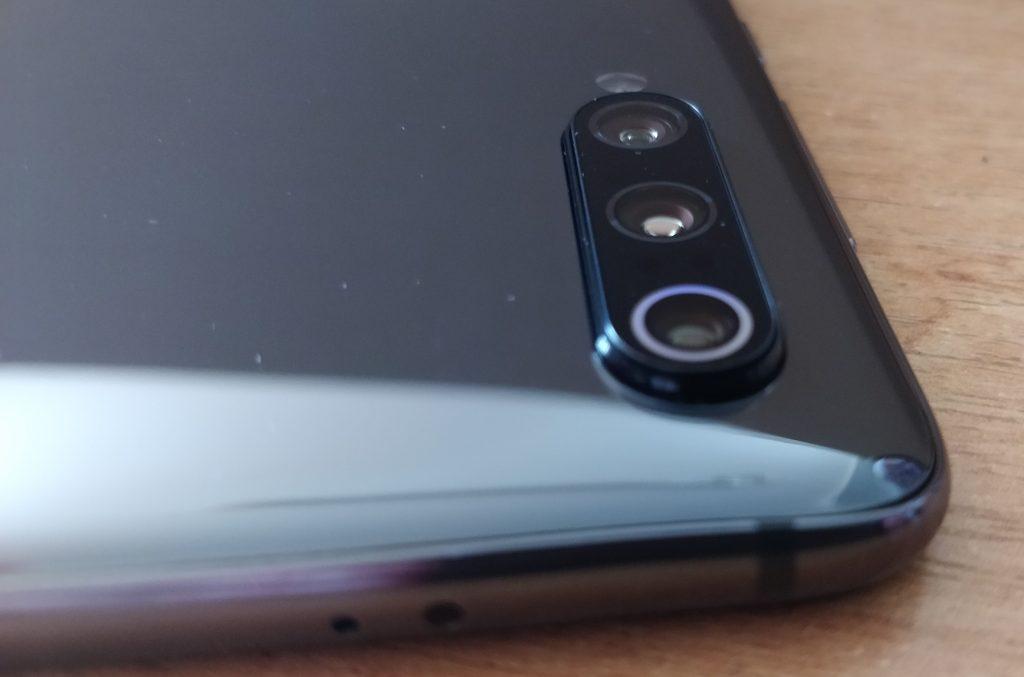 Trojitý foťák Xiaomi Mi 9