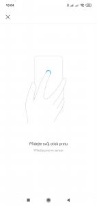 Xiaomi Mi Play lze odemykat otiskem