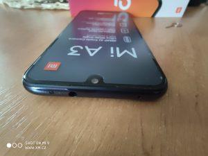Horní hrana Xiaomi Mi A3