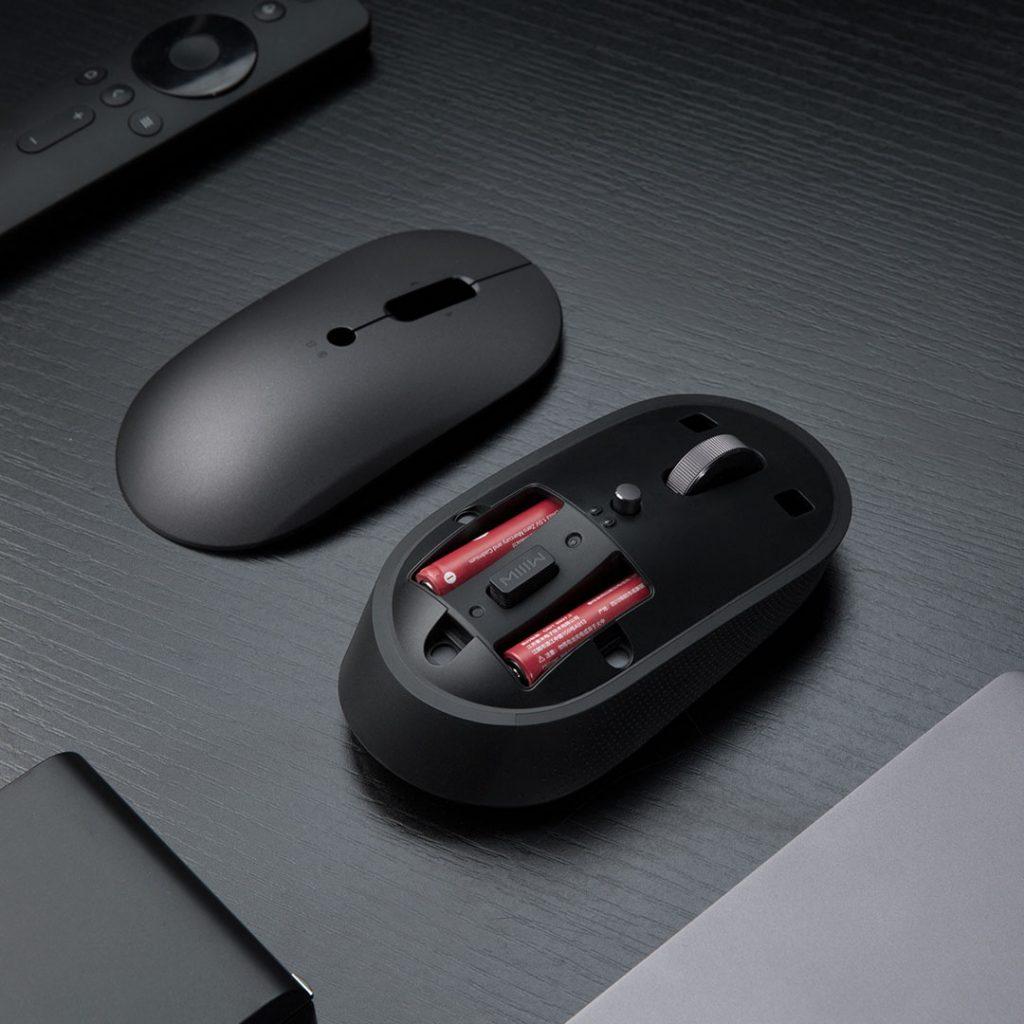 Myš pohánějí dvě AAA baterie