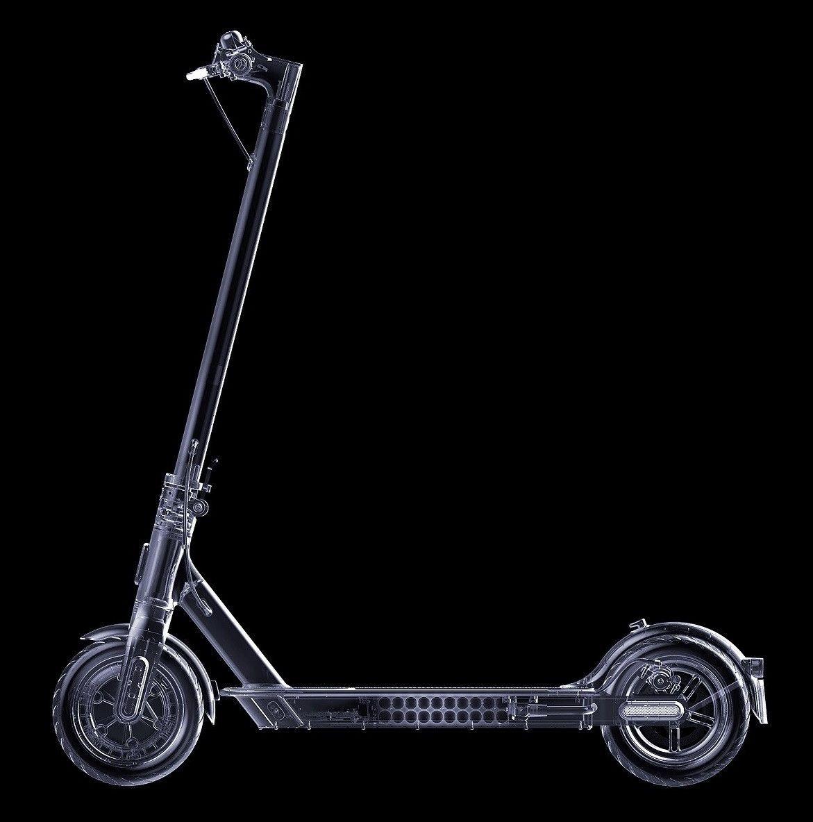 Elektrická koloběžka Xiaomi Mi Electric Scooter Essential