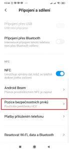 V sekci NFC otevřete položku Pozice bezpečnostních prvků