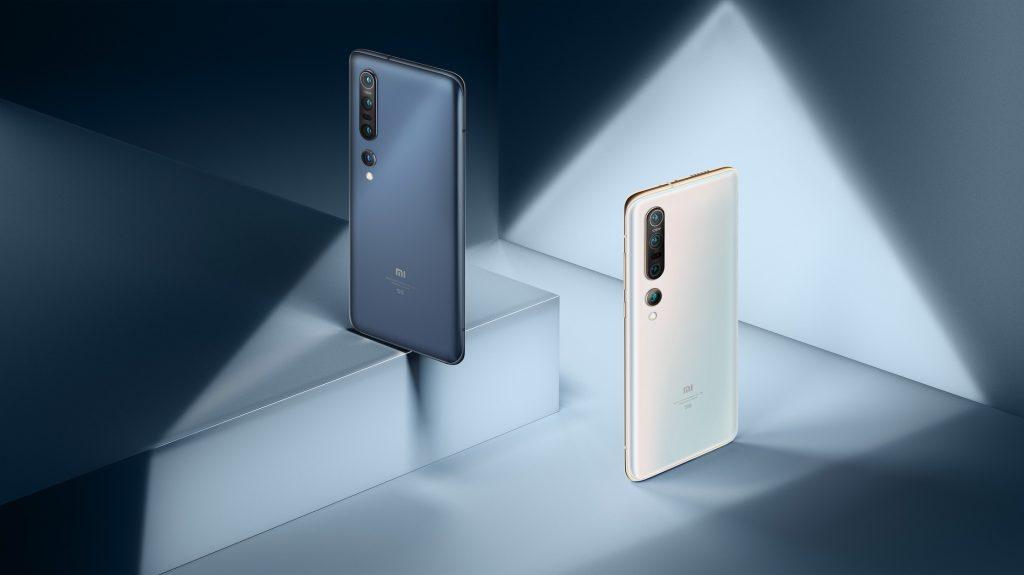 Telefon Xiaomi Mi 10 Pro je dostupný ve dvou barvách