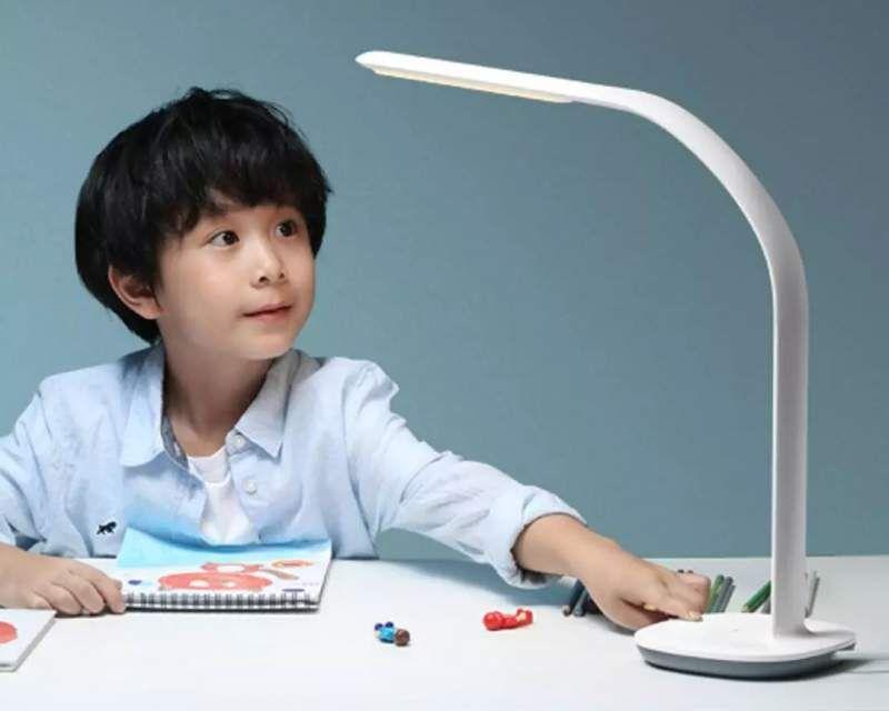 Xiaomi Mijia Philips Table Lamp 3 - stolní lampička