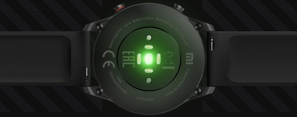 Snímač na spodní straně hodinek