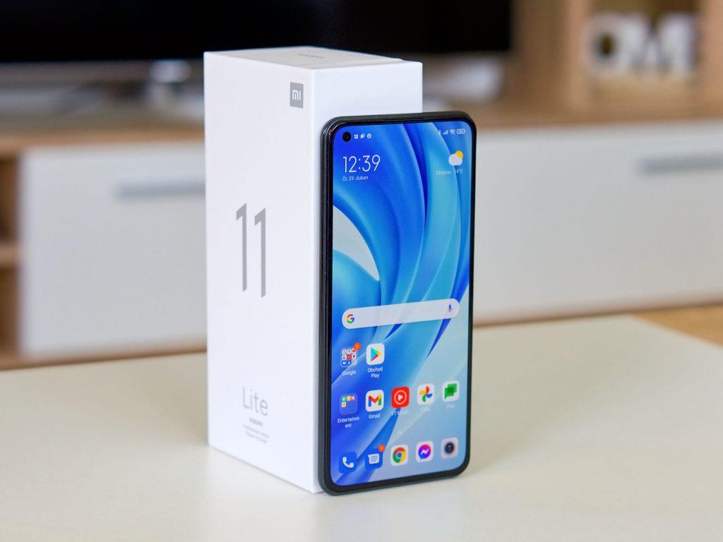 Xiaomi Mi 11 Lite přední strana