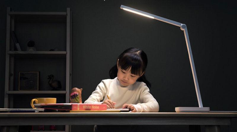 Xiaomi Mijia Smart Lamp Lite: chytrá lampička na pracovní stůl