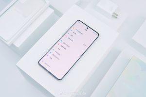 Pohled zepředu na Xiaomi Civi