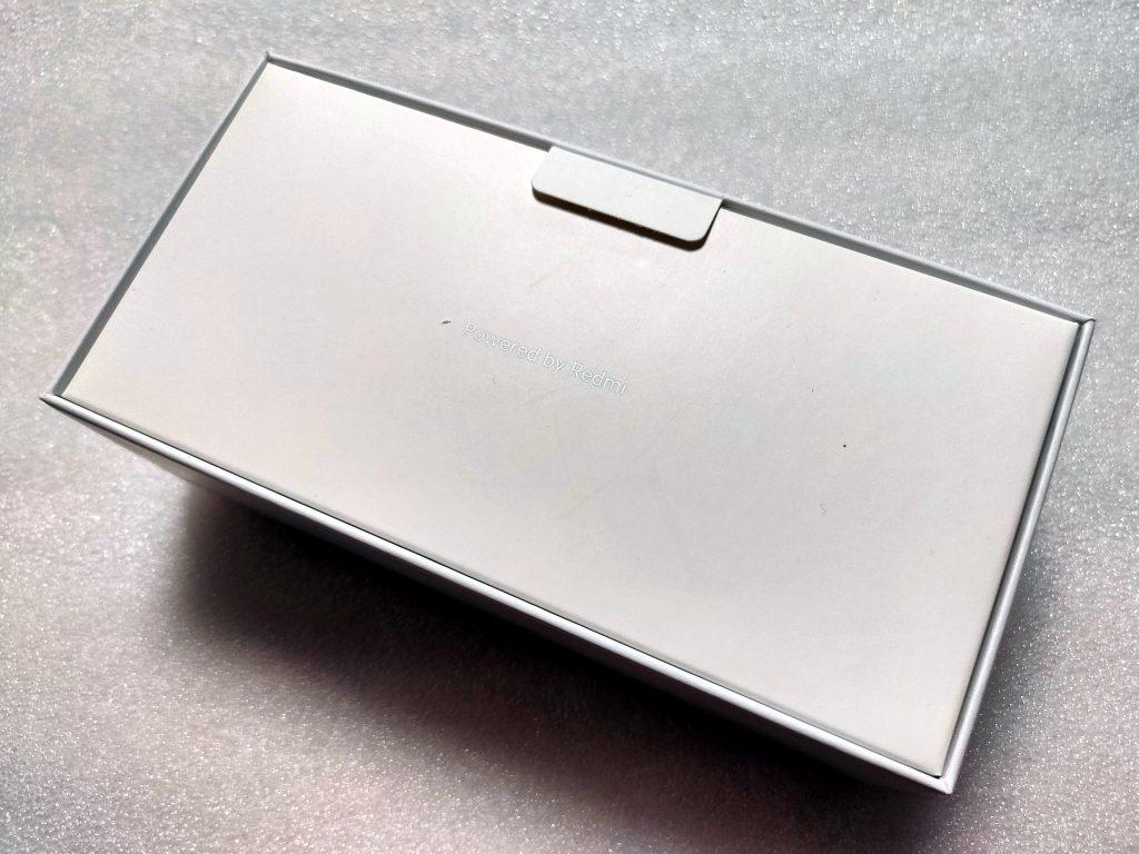 Papírová pošetka, která při transportu slouží jako ochrana proti nárazům